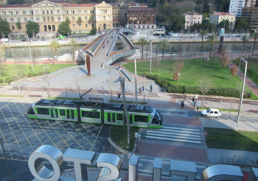 L'effet tram est-il possible sans tram? Quelques éclairages à partir de cas d'étude étrangers. S.LAVADINHO, B.LENSEL